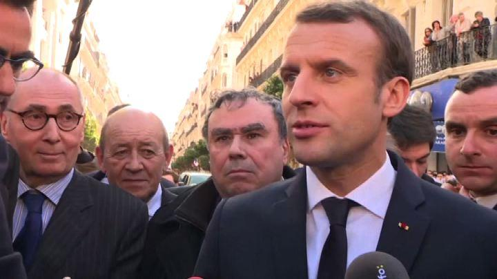 "Il presidente Macron: Johnny Halliday ""un eroe francese"""